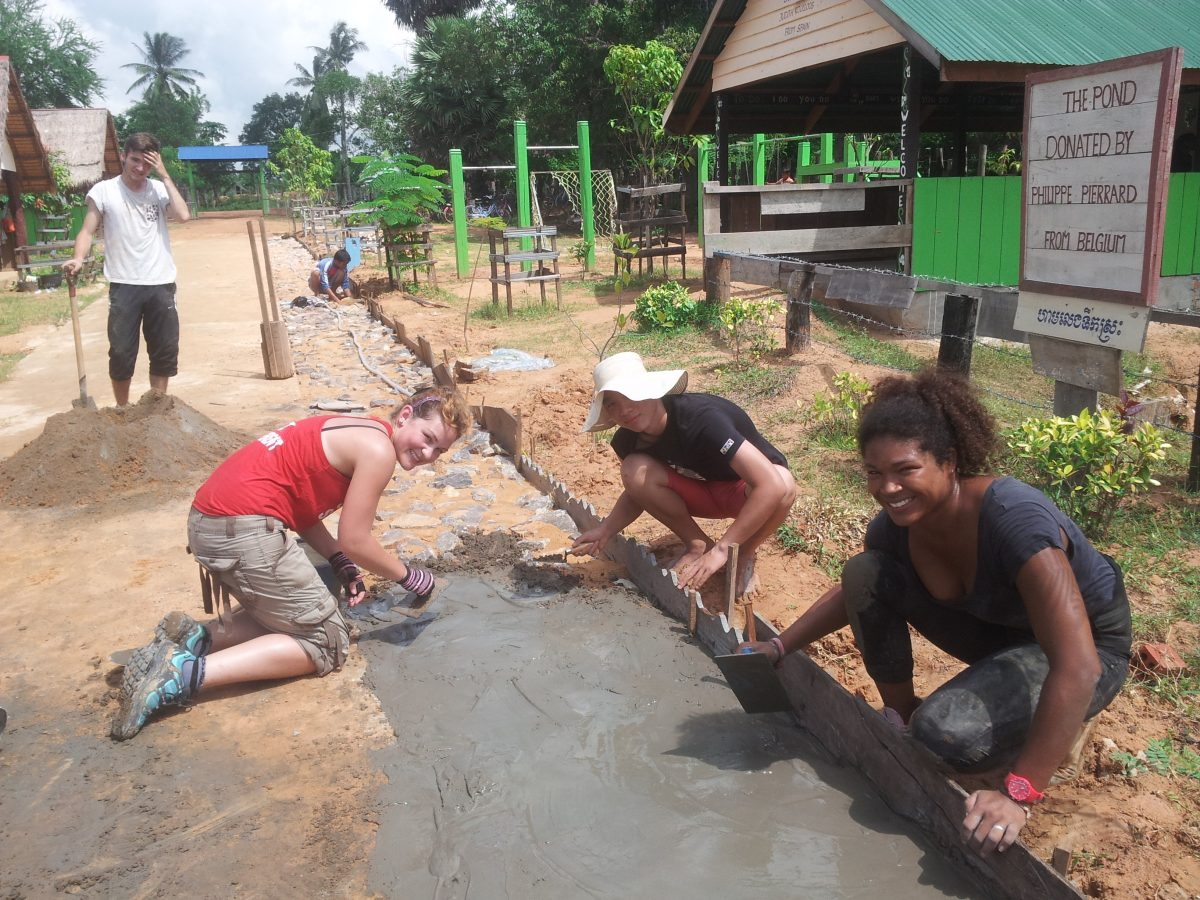 Cambodia Construction Volunteer