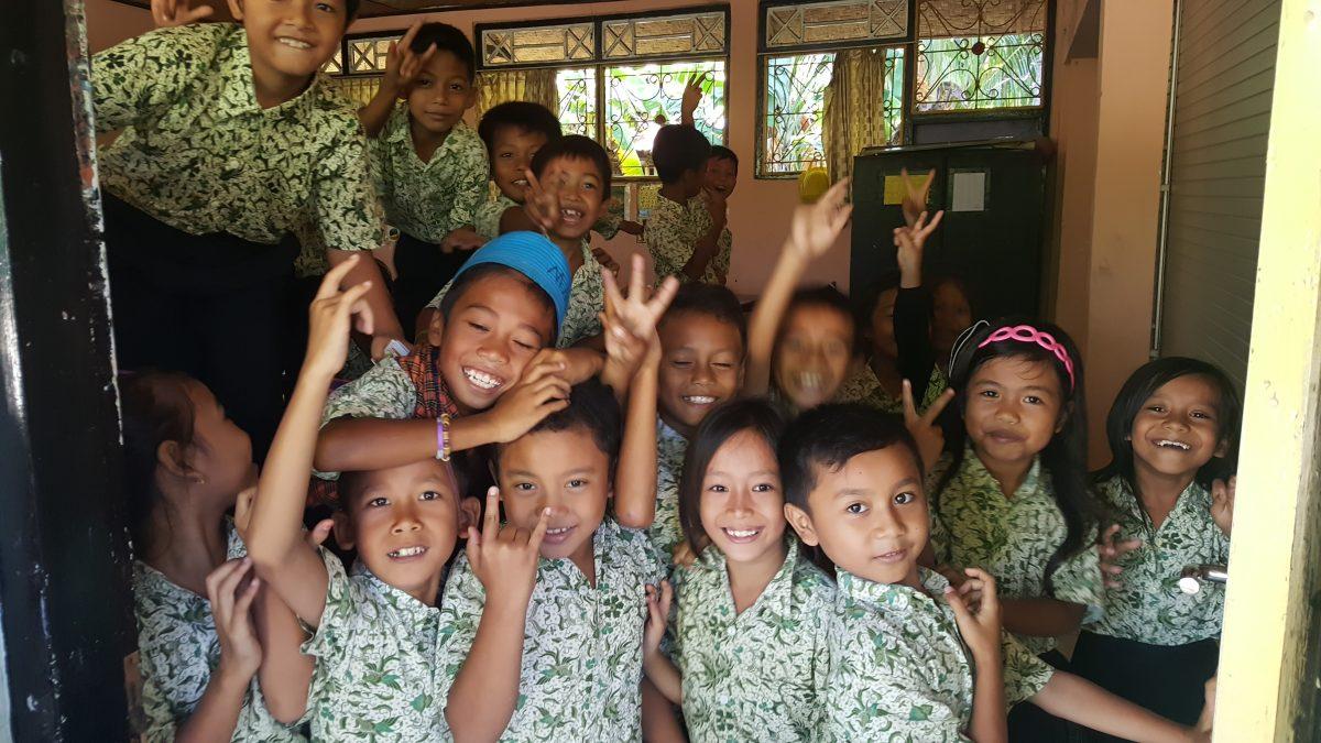Volunteer teaching in Lombok
